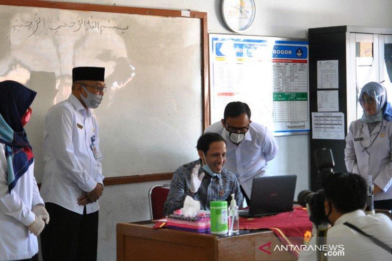 Mendikbud Tinjau Pembelajaran Jarak Jauh Di Bogor Antara News Papua