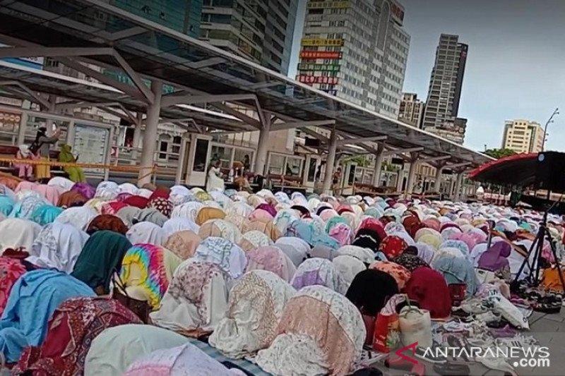Usai shalat Idul Adha di Taipei, WNI langsung kerja
