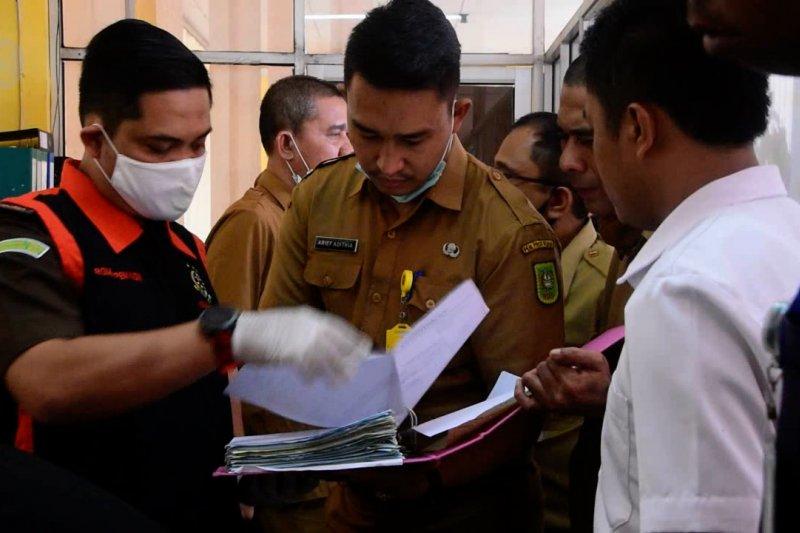 Kejati geledah Dinas Pendidikan Riau