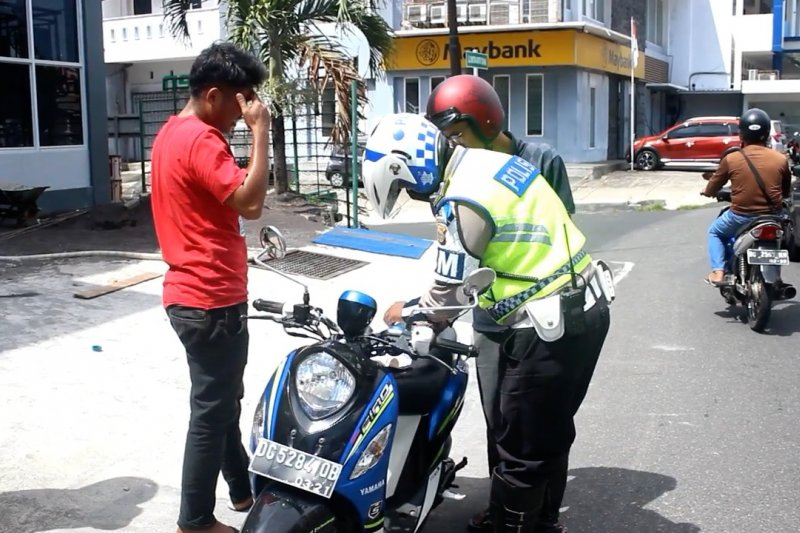 Puluhan warga Ternate terjaring razia Operasi Patuh Kie Raha 2020