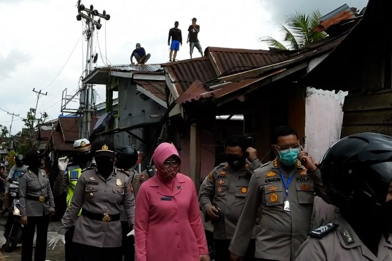 Angin puting beliung terjang dua kecamatan di Pontianak