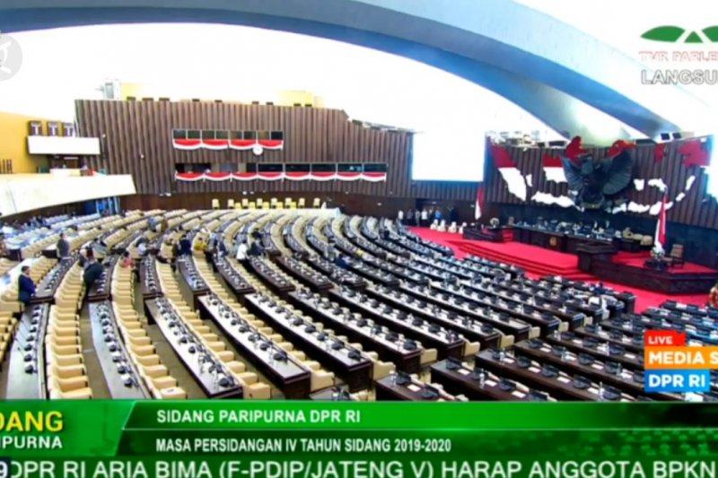 Rapat Paripurna DPR, 130 hadir secara fisik dan 174 secara virtual