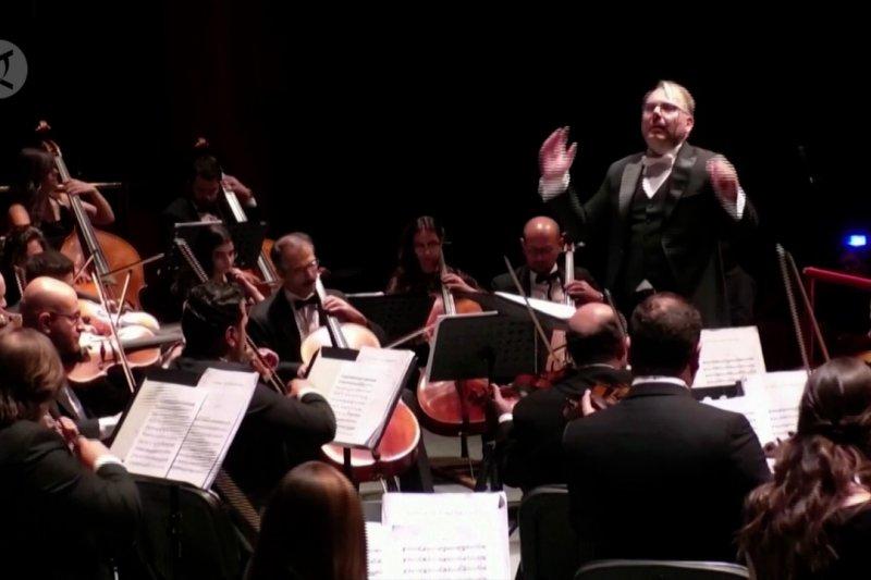 Orkestra Suriah kembali naik panggung
