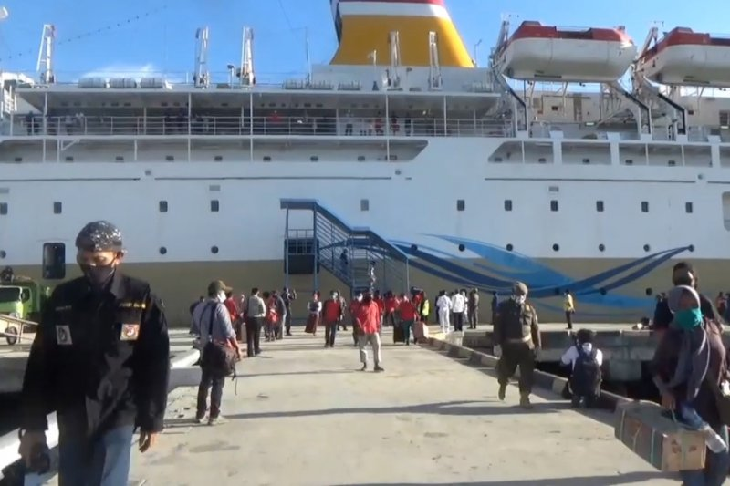 Pelabuhan Pantoloan Palu kembali beroperasi