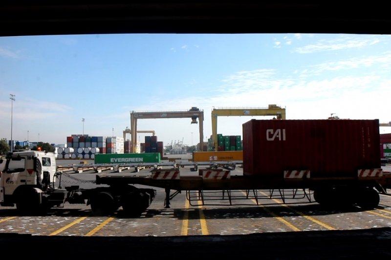 Single submission pangkas waktu bongkar muat pelabuhan