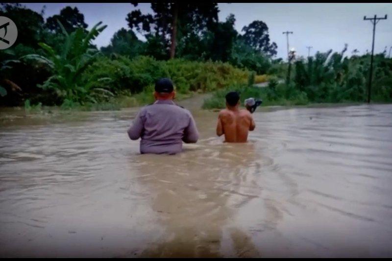 Banjir bandang terjang dua dusun di Kalimantan Barat