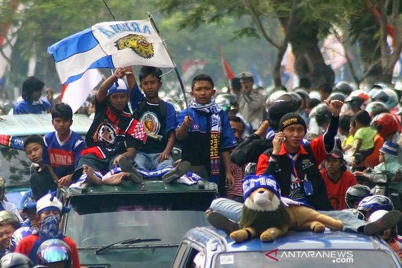 Perayaan HUT Arema FC ke-33 tanpa konvoi Aremania