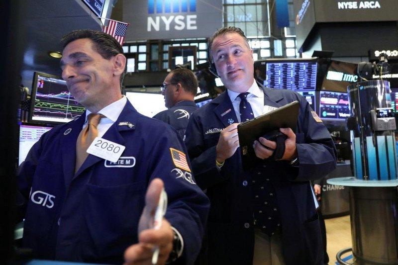 Wall Street dibuka lebih tinggi di tengah laba teknologi yang kuat