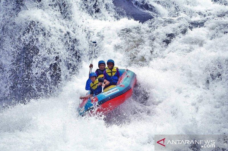 Wisata rafting di Kalbar masuk nominasi Anugerah Pesona Indonesia 2020