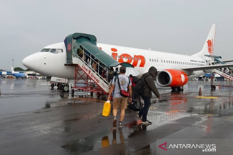 Ada kasus Corona, Lion Air hentikan sementara rute Surabaya-Pontianak
