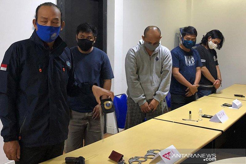 Sekap warga, lima pegawai BNN gadungan diringkus