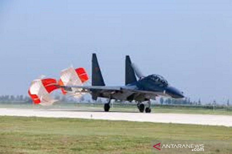 Jet tempur China berpatroli 10 jam di kepulauan Laut China Selatan