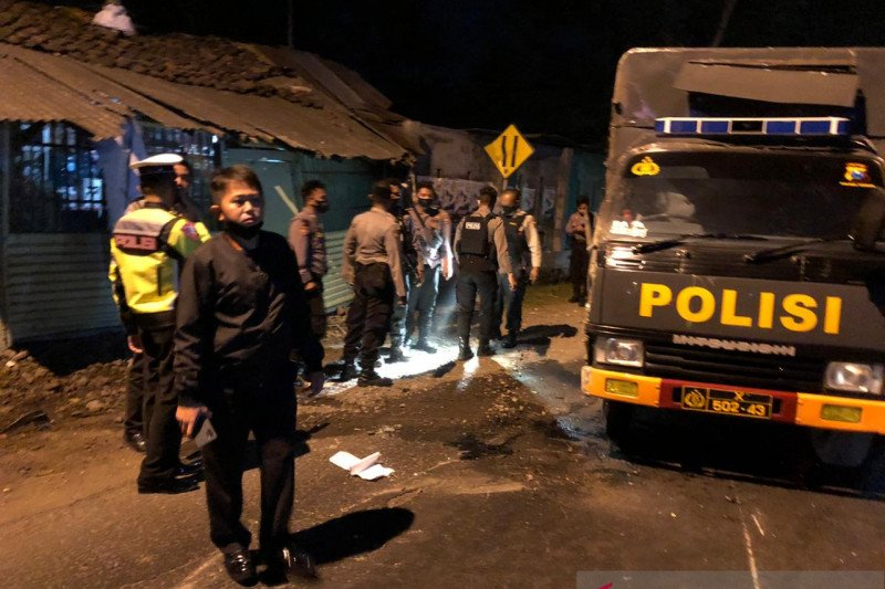 Polisi selidiki penyebab kecelakaan beruntun di Jember