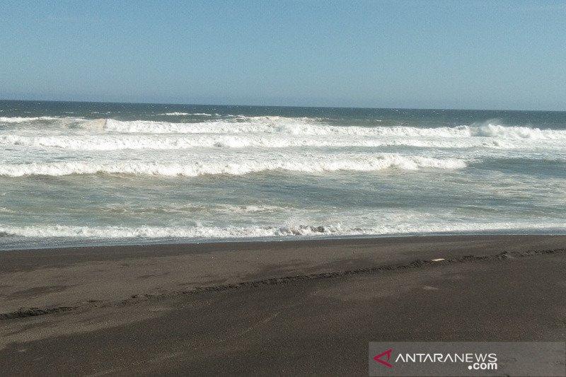 Kapolres Bantul imbau wisatawan pantai waspadai gelombang tinggi