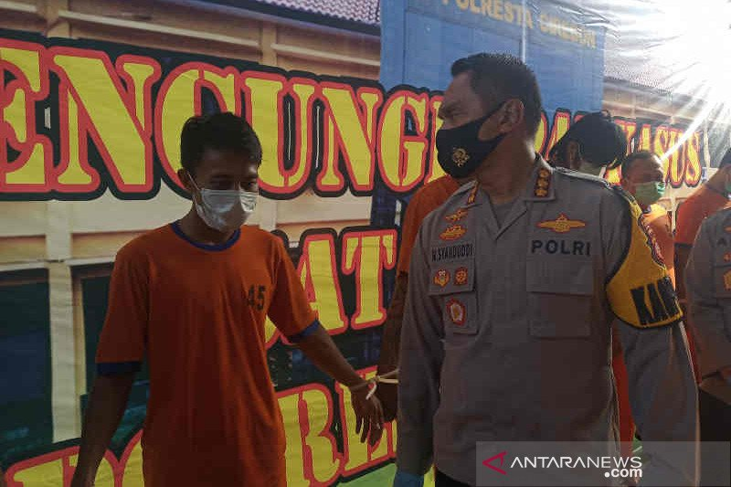 Polresta Cirebon bekuk pria cabuli calon anak tirinya