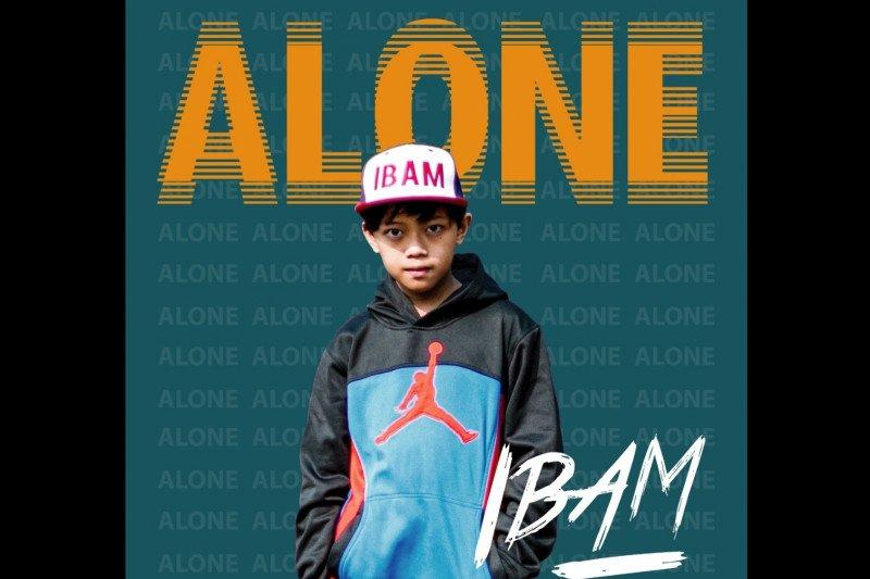 "Putra sulung Asri Welas rilis debut lagu ""Alone"""