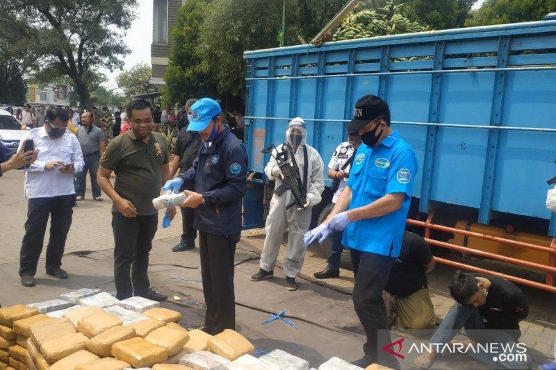BNN gagalkan penyelundupan ratusan kilogram ganja di Bekasi