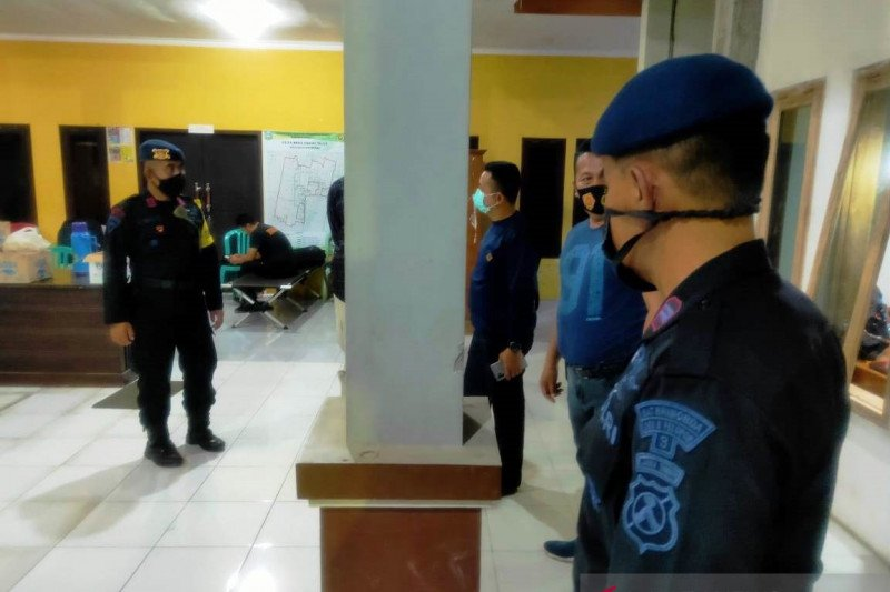 Polres Situbondo periksa puluhan orang terkait perusakan rumah