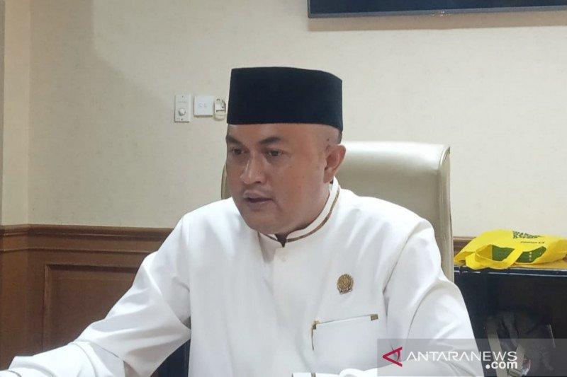 Ketua DPRD Bogor larang anggota berkantor sebelum tes usap