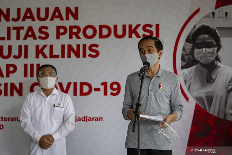 Presiden tinjau fasilitas produksi dan uji klinis vaksin COVID-19