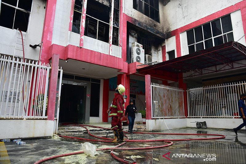 Gedung HPBB Telkom Pekanbaru terbakar, jaringan ke pelanggan lumpuh