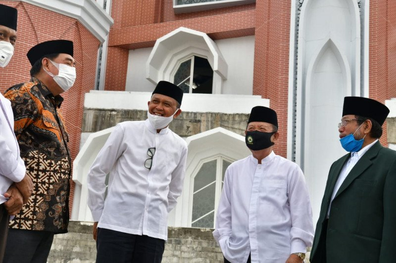 Masjid 99 Kubah dan kontroversi penggunaannya