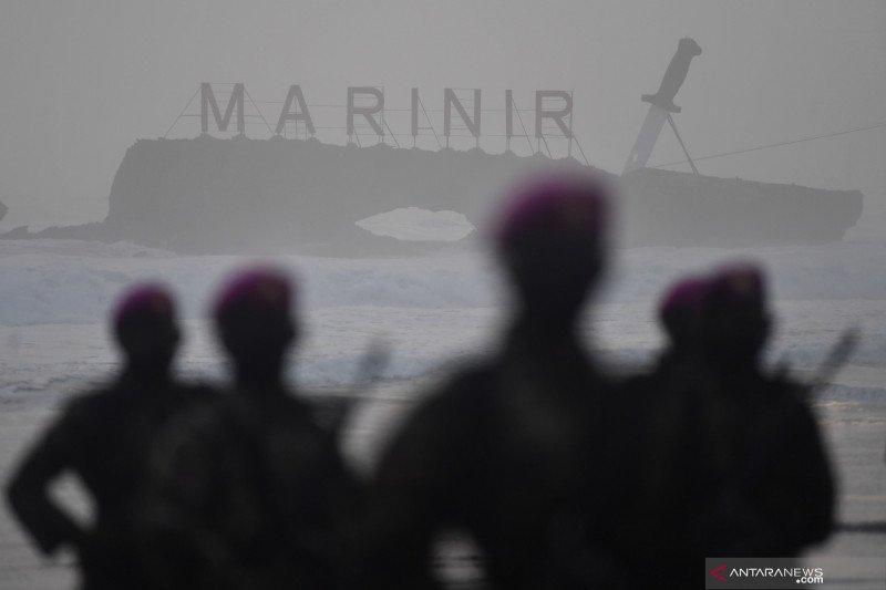 Upacara pembaretan prajurit Korps Marinir