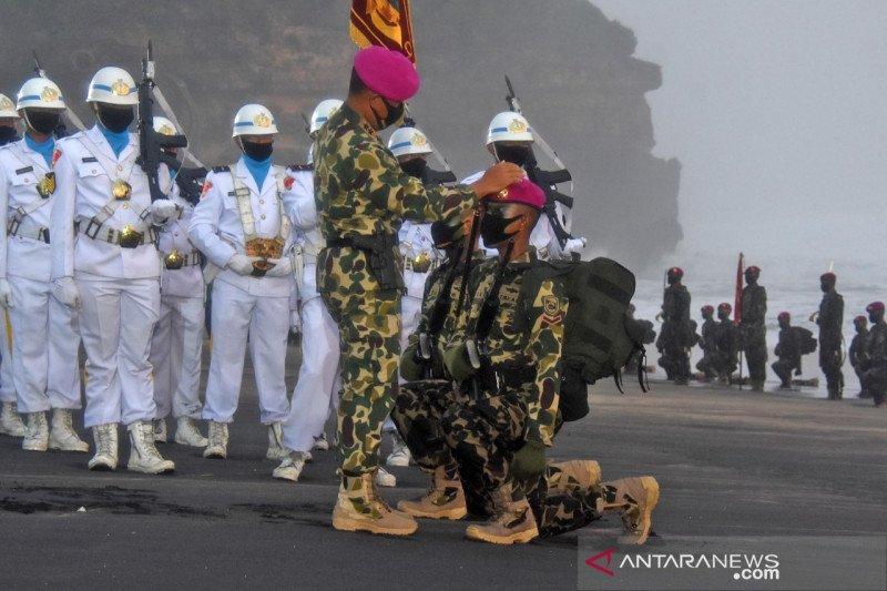 186 prajurit muda sandang Baret Ungu Korps Marinir