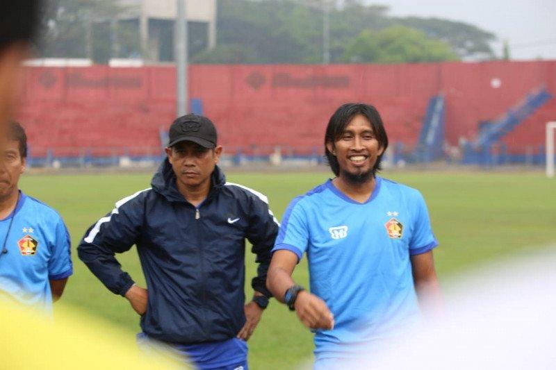 Persik tunjuk Budi Sudarsono jadi pelatih