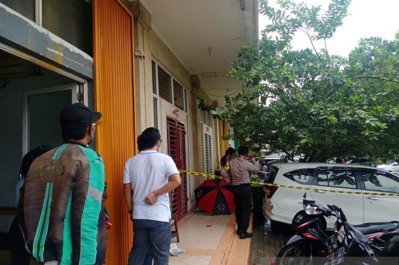 Pria tewas di Ruko Royal Gading Square ditembak sebanyak empat kali