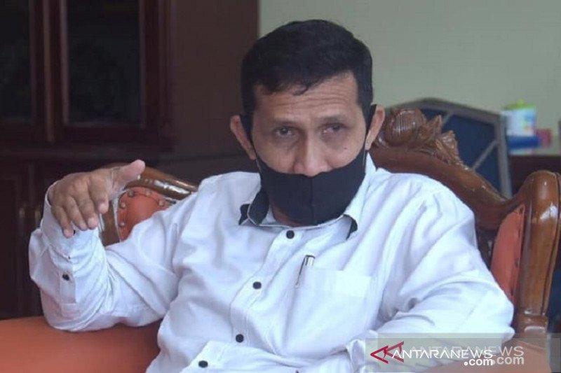 Guru-pustakawan di Padang Panjang COVID-19, tiga SMP diliburkan
