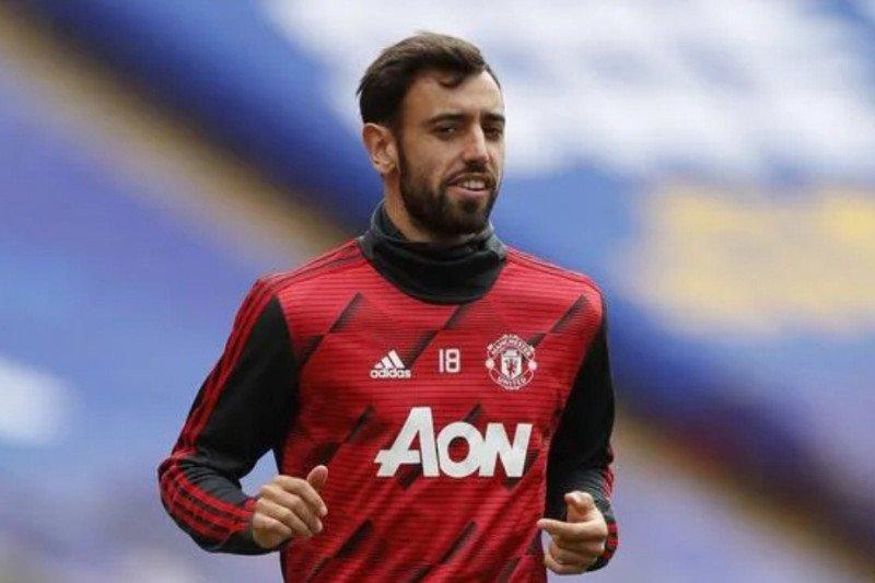 Disamakan dengan Cantona, Fernandes : saya butuh trofi bersama United