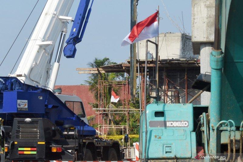Pekerjaan konstruksi Jalan Tol Cibitung-Cilincing ambruk di Jakut