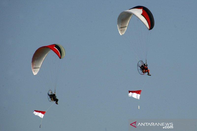 Rekor MURI pengibaran bendera merah putih tertinggi