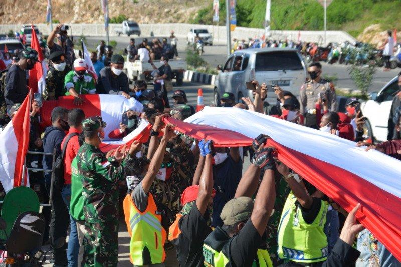 Gemapi bentangkan bendera Merah Putih sepanjang 1,5 Km