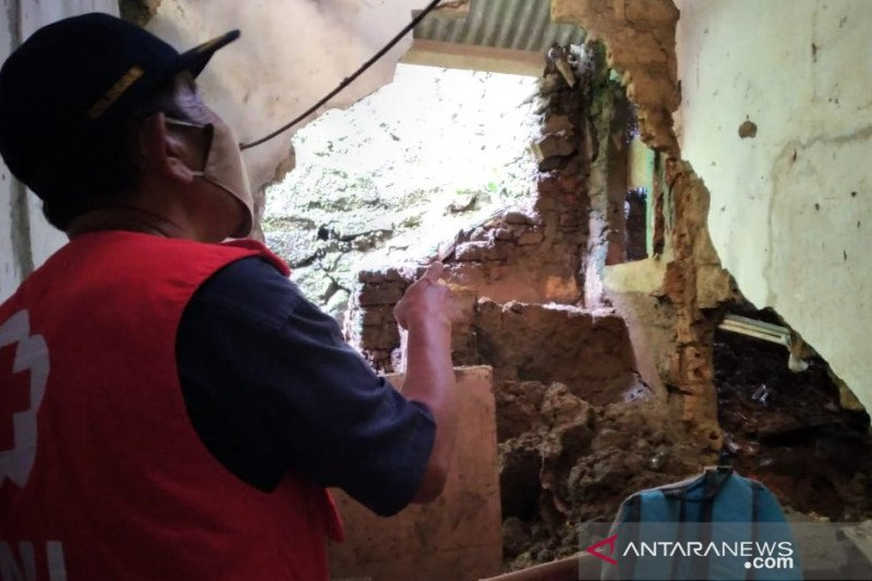 PMI Kota Sukabumi data kebutuhan bantuan korban bencana longsor