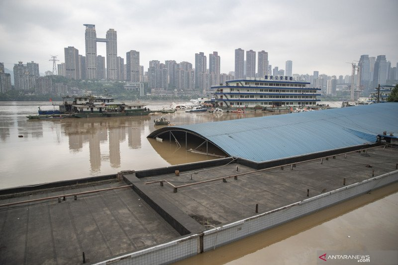 Banjir landa Kota Chongqing di  China