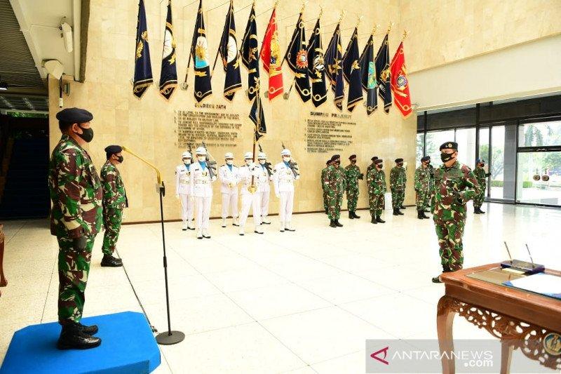Kasal lantik Laksma TNI Edwin sebagai Danpuspenerbal