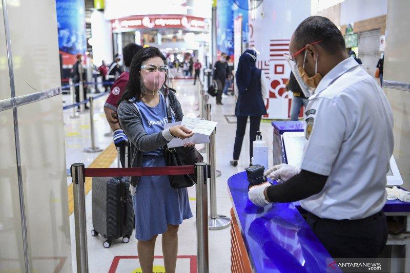 Penumpang KA di Daop Surabaya tunjukkan naik tiap bulan