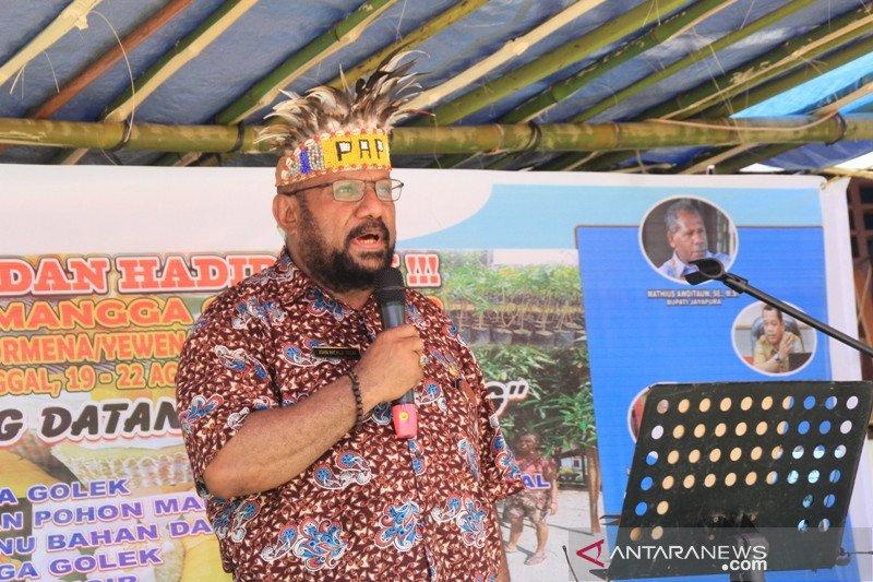 Warga Tanah Merah Jayapura gelar festival mangga golek
