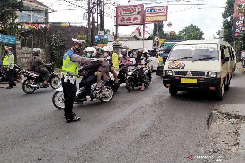 Polisi prediksi puncak arus wisata Lembang terjadi hari ini