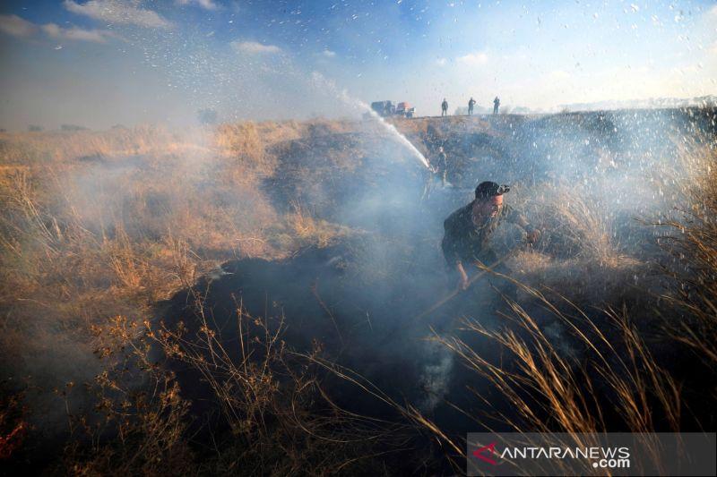 Israel serang lokasi Hamas di Gaza balasan atas serangan balon api