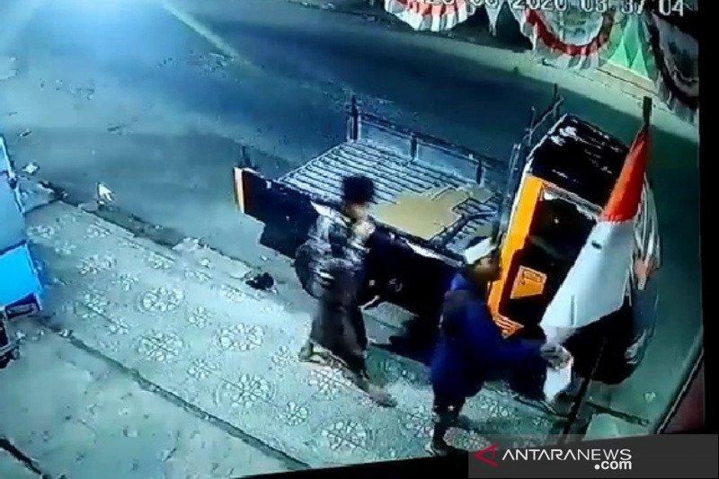 Polisi selidiki kasus pencabutan paksa bendera merah putih di Garut