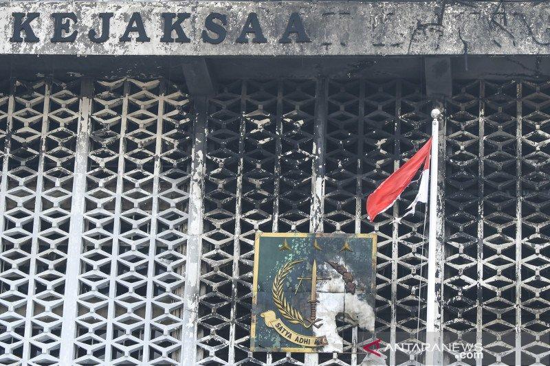 Kemarin, DPRD Kaltim terbakar hingga fakta baru kebakaran Kejagug
