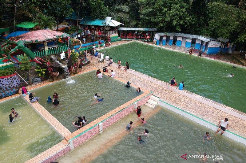 Wisata Puncak Meranti ramai dikunjungi wisatawan