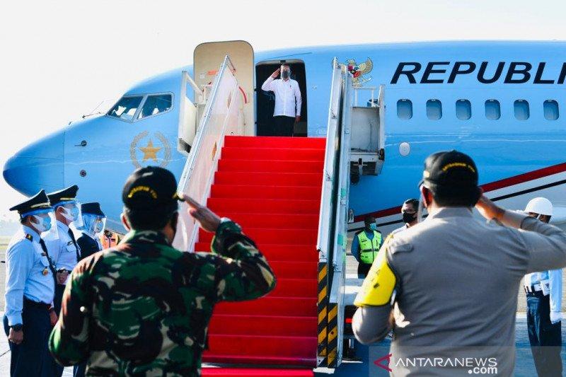 Presiden Joko Widodo resmikan jalan tol pertama di Aceh