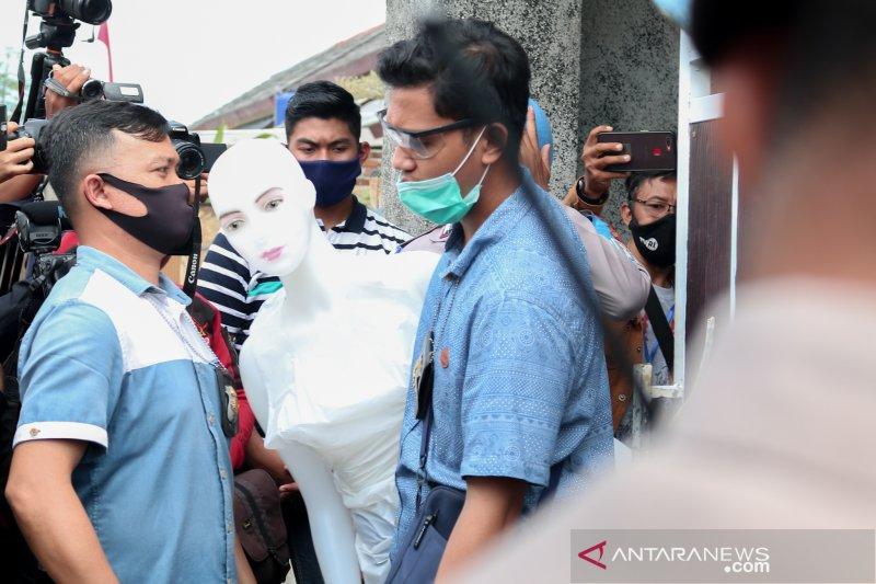 Polresta Mataram gelar rekonstruksi pembunuhan LNS