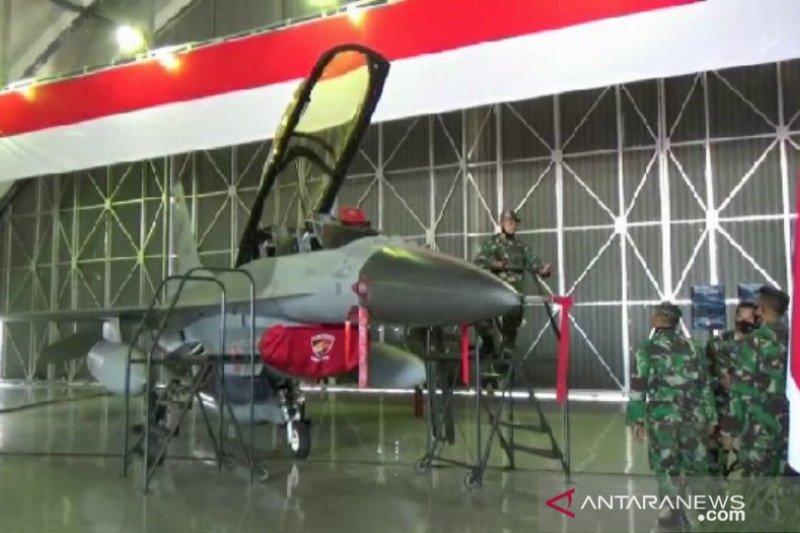 Dua pesawat F-16 Program Falcon Star-eMLU memperkuat Lanud Iswahjudi