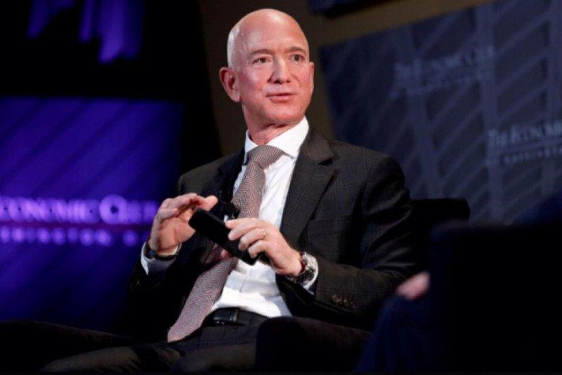 Bos Amazon jadi orang terkaya, harta lampaui 200 miliar dolar AS