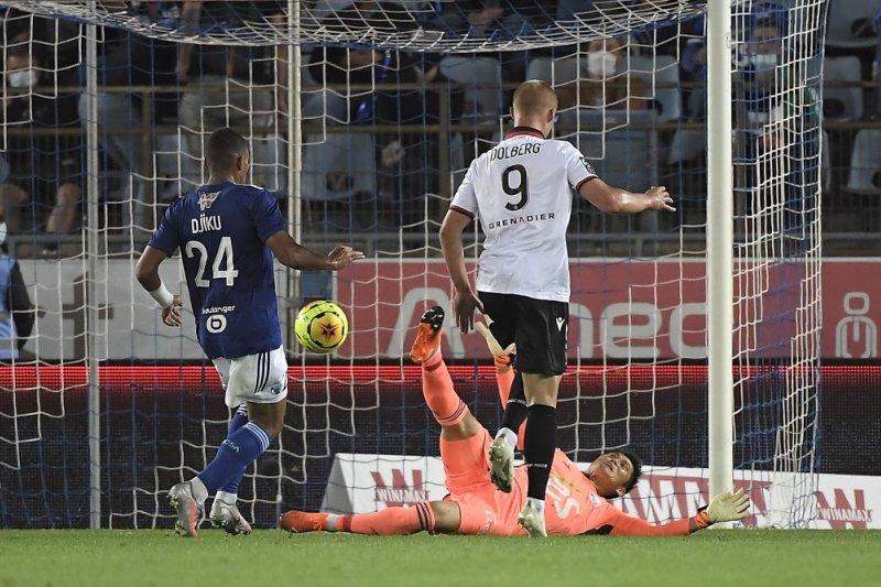 Tiga pemain Nice dikabarkan positif COVID-19 jelang laga kontra PSG